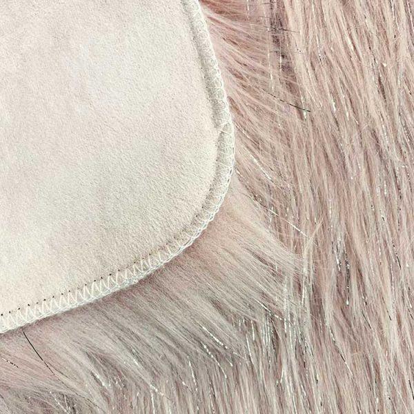 border-of-shag-fur-rug